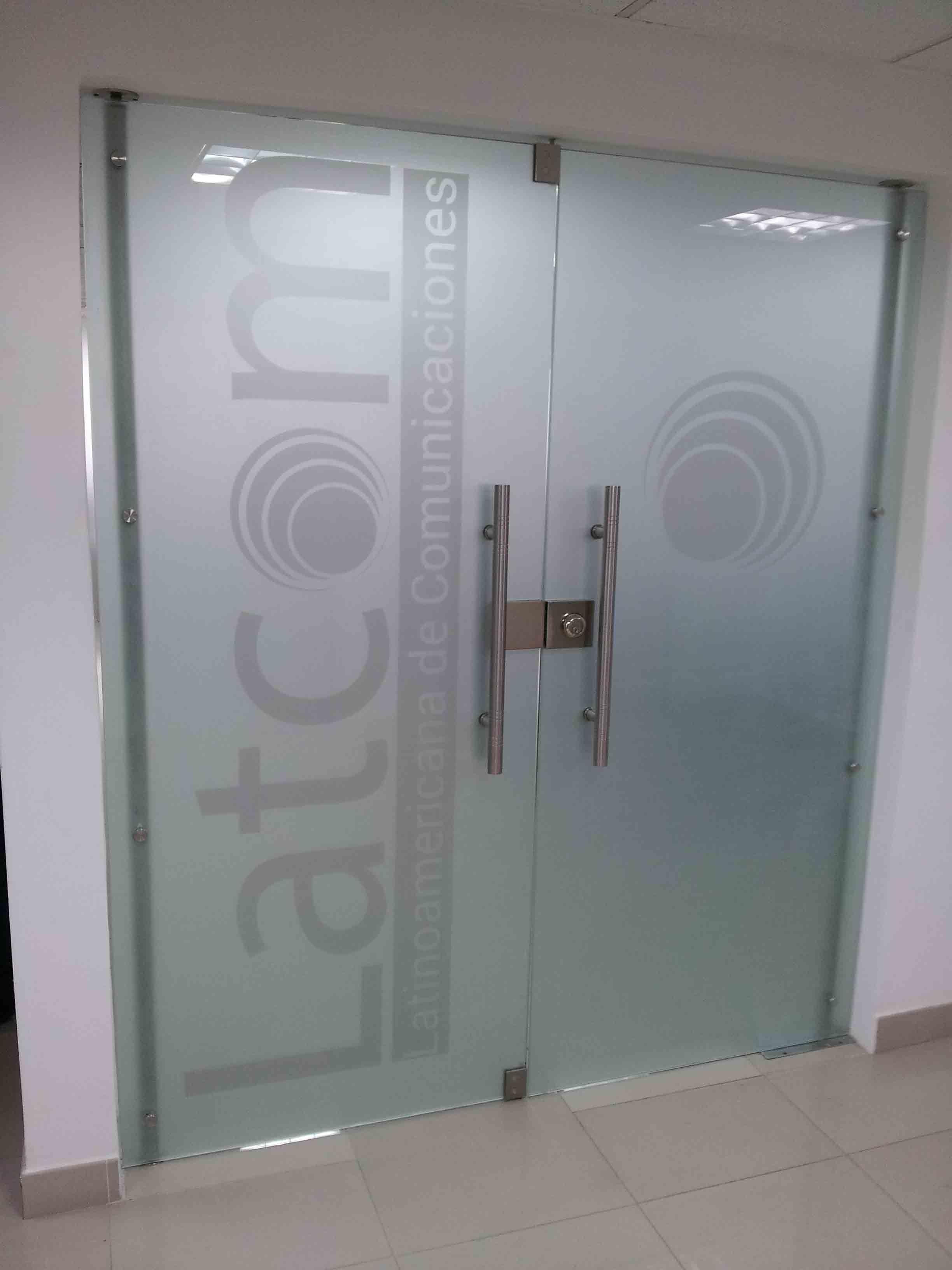 sandblast en puerta guatemala - decoracion de puerta oficina