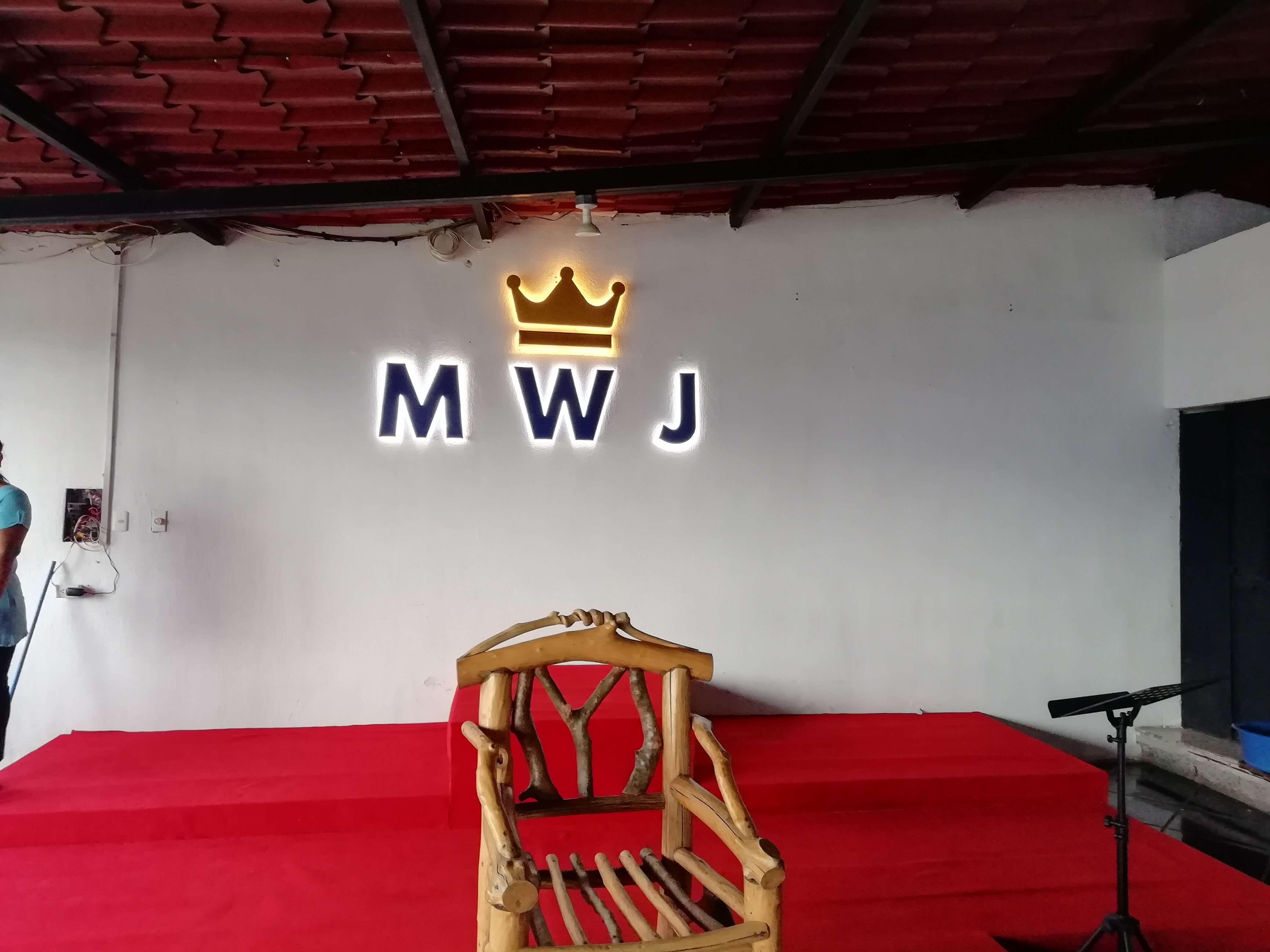 rotulo luminoso guatemala - MWJ
