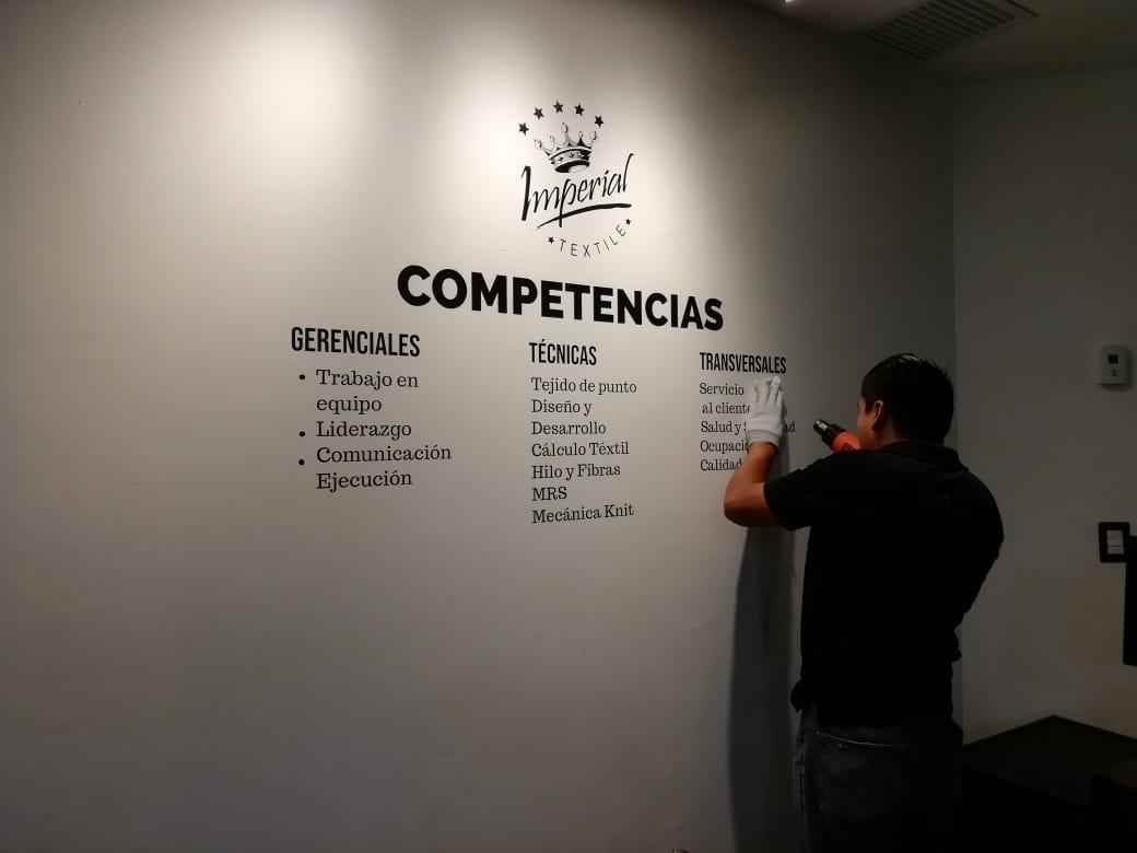 instalacion vinilo decorativo adhesivo - guatemala