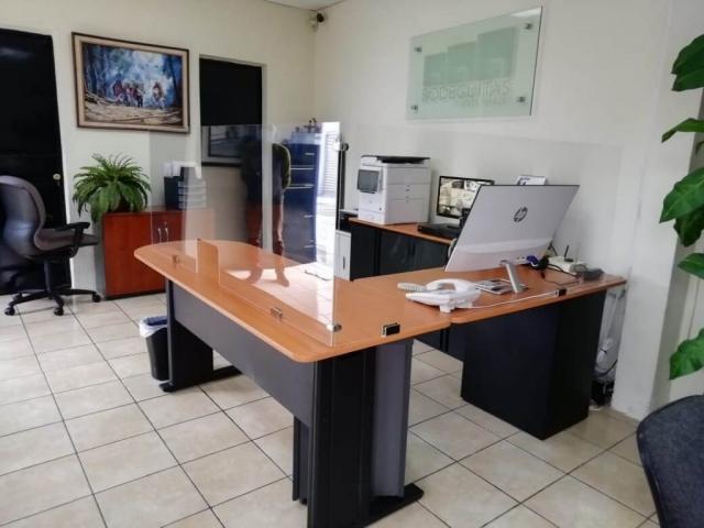 barrera acrilico oficina guatemala