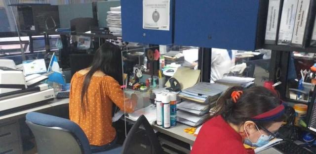 barreras acrilico escritorio guatemala