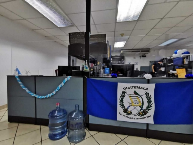 barreras acrilicos oficinas guatemala