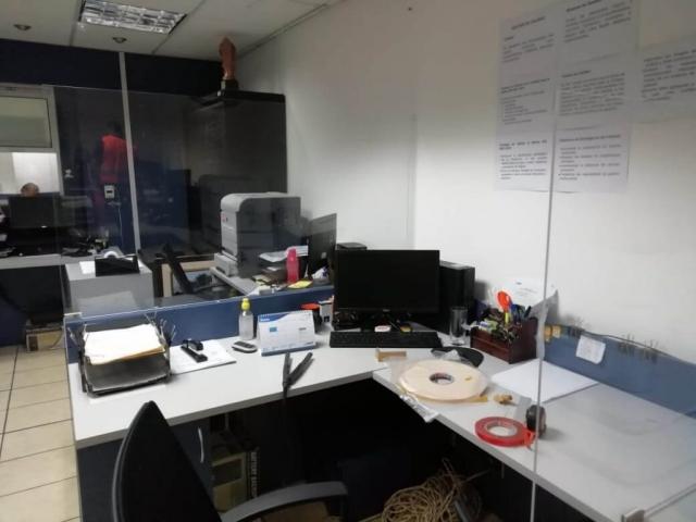 mampara escritorio anticontagio guatemala